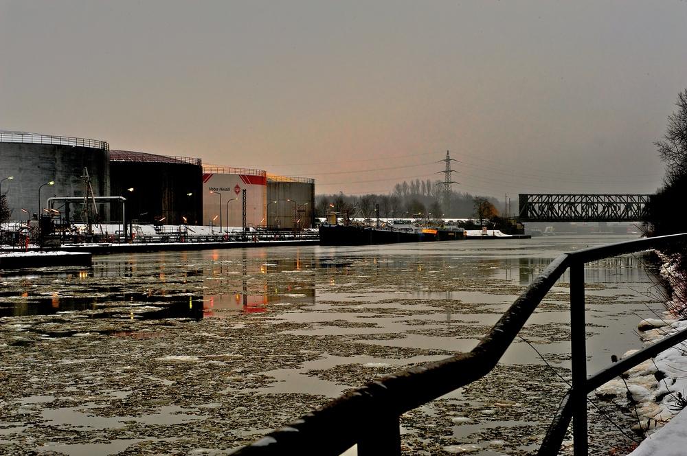 Winter am Kanal