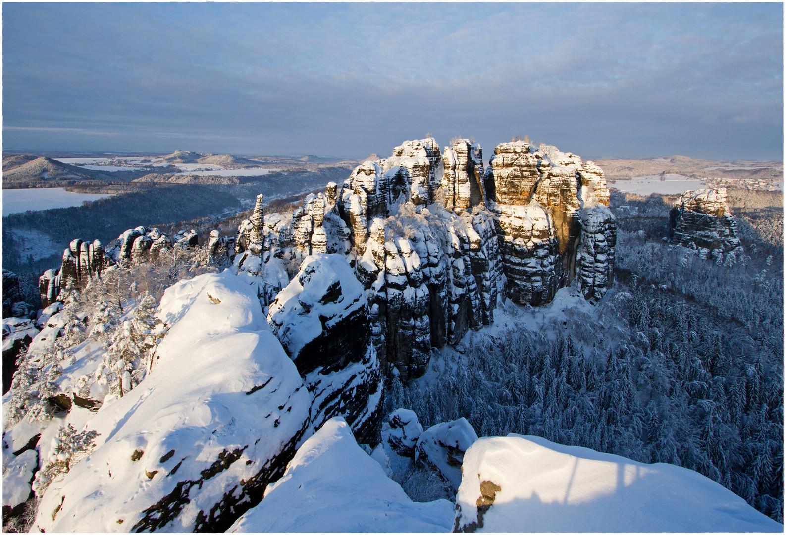 Winter an den Torsteinen