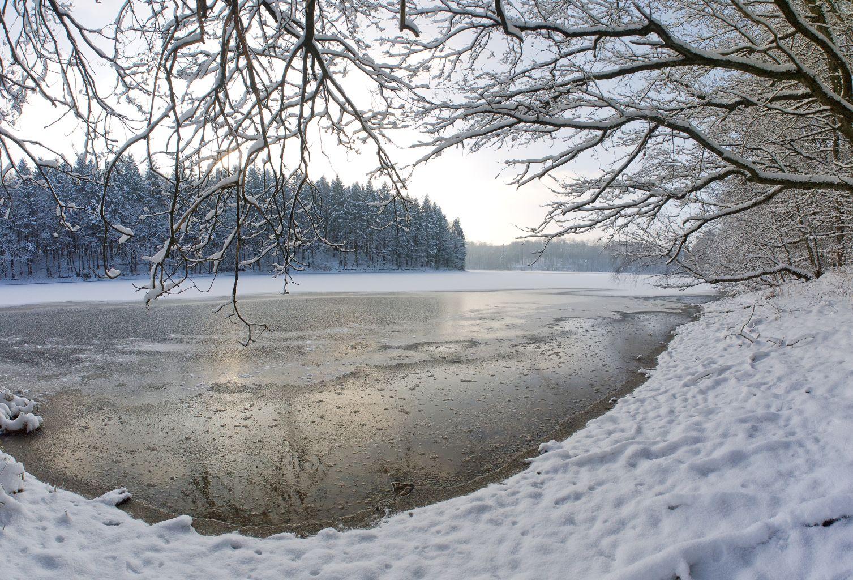 Winter an der Neye- Talsperre