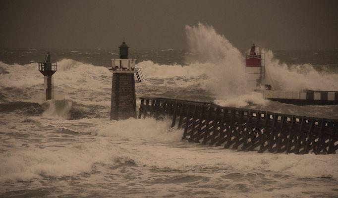 Winter high tide