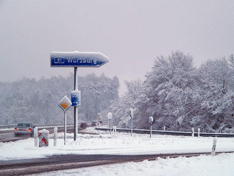 Winter-Idylle an der Autobahnauffahrt Boxberg morgens kurz nach halb sieben