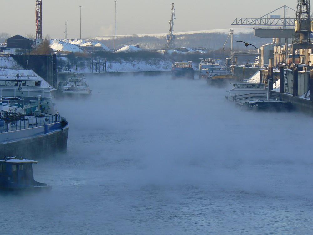 Winter im Außenhafen Duisburg