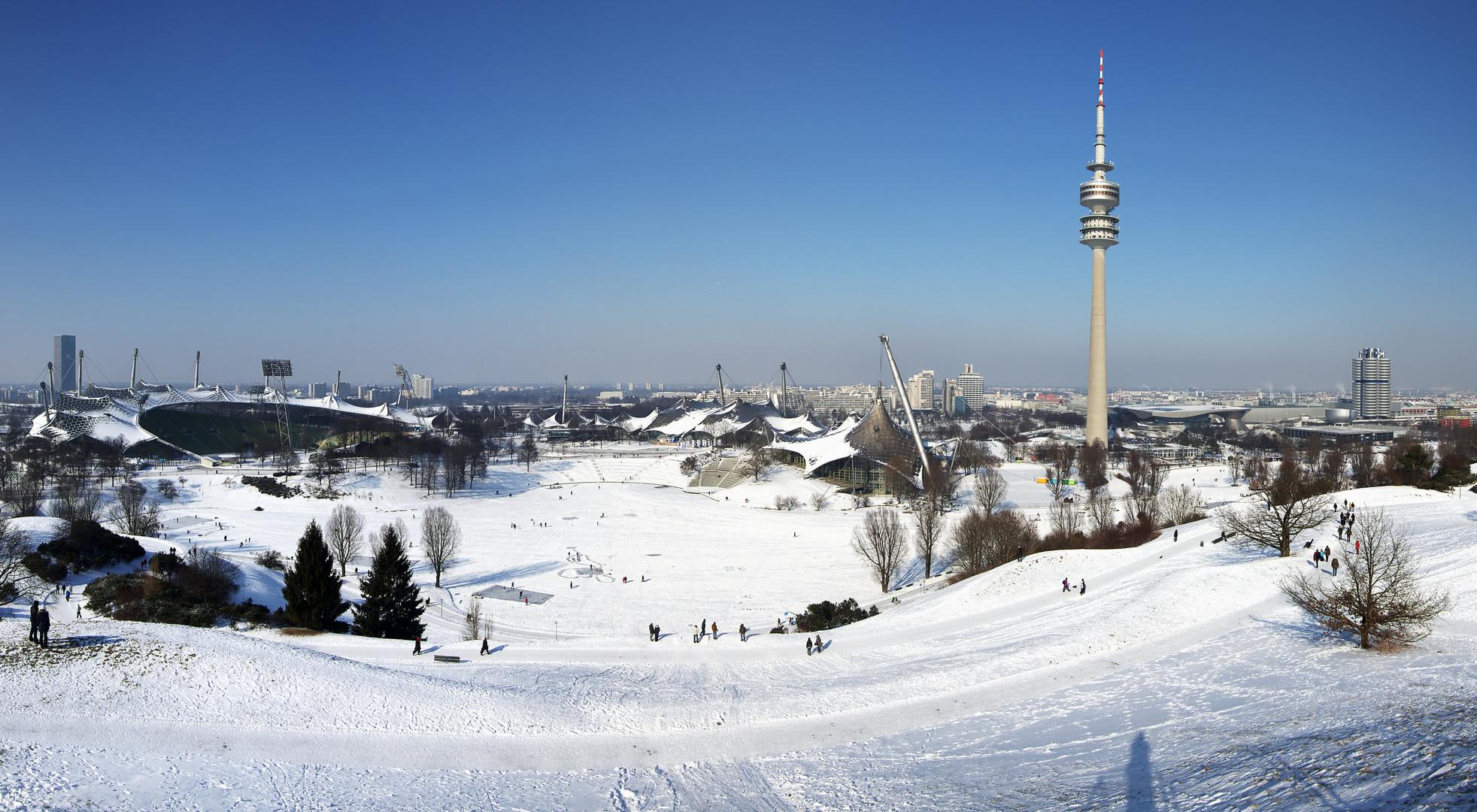 Winter im Olympiapark München .....