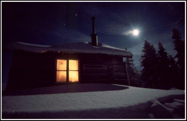 Winter in Lappland, einsame Hütte, Ofen, -35°C, neuer Scanner