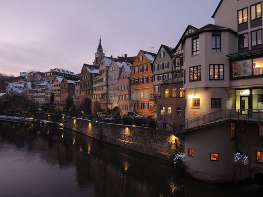 Winterabend an der Neckarbrücke