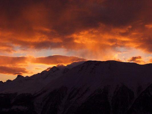 Winterabend in Walliser Alpen