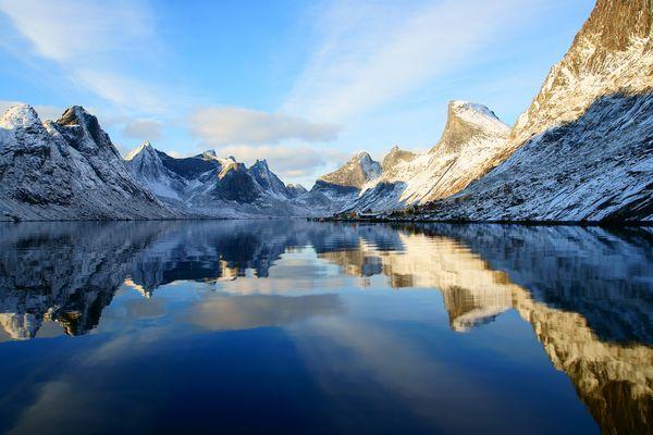Wintereinzug auf den Lofoten / Reine /Nordnorwegen