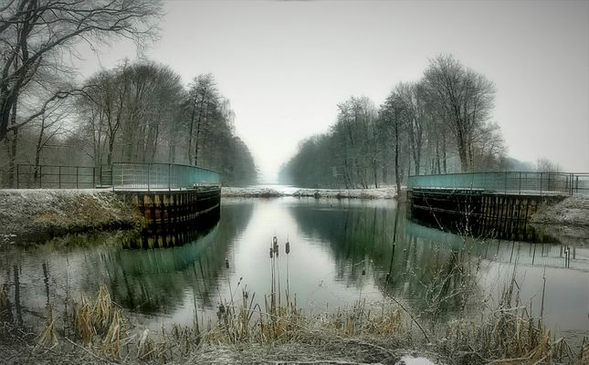 Winterimpression am Kanal