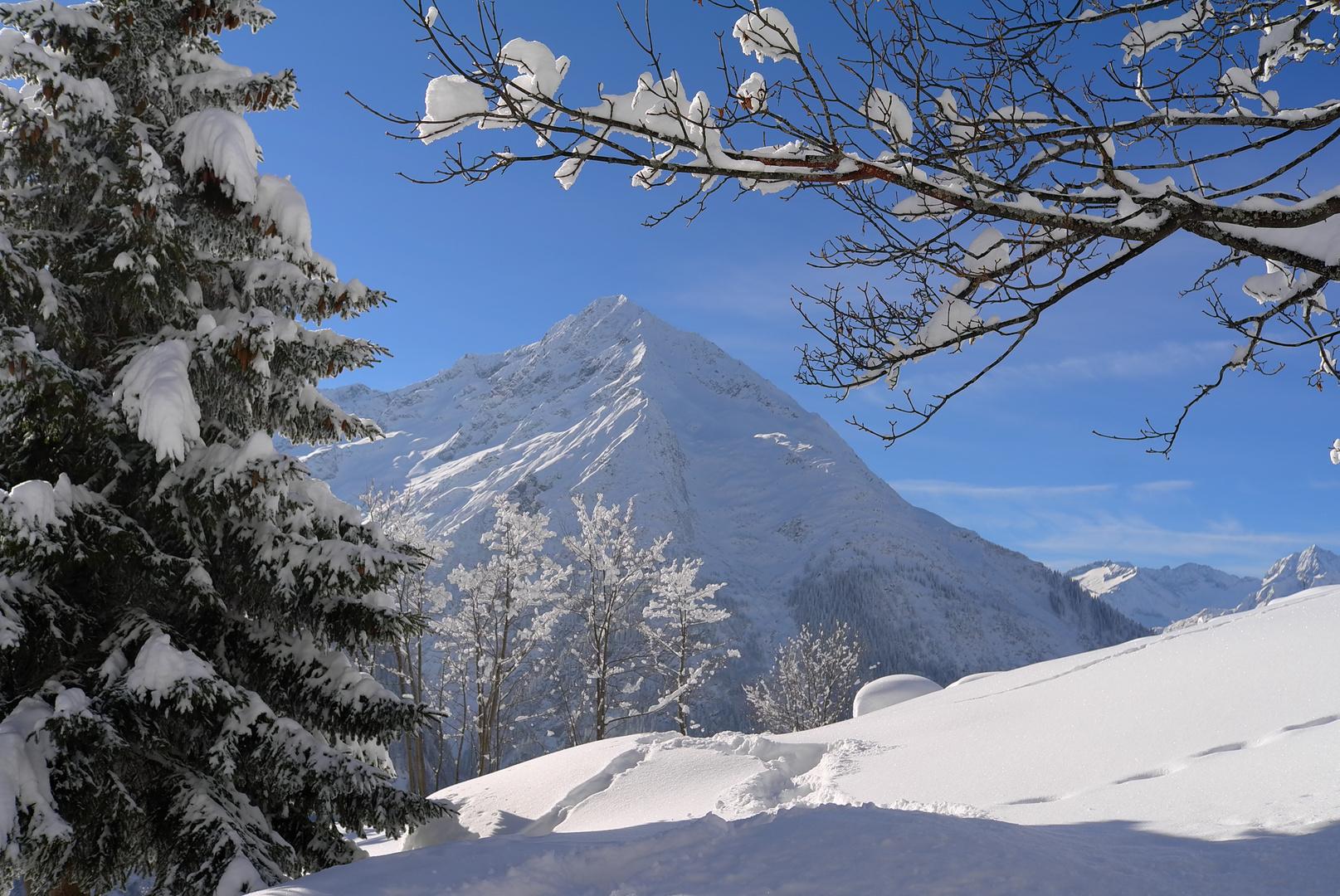 Winterlandschaft Golzern im Maderanertal