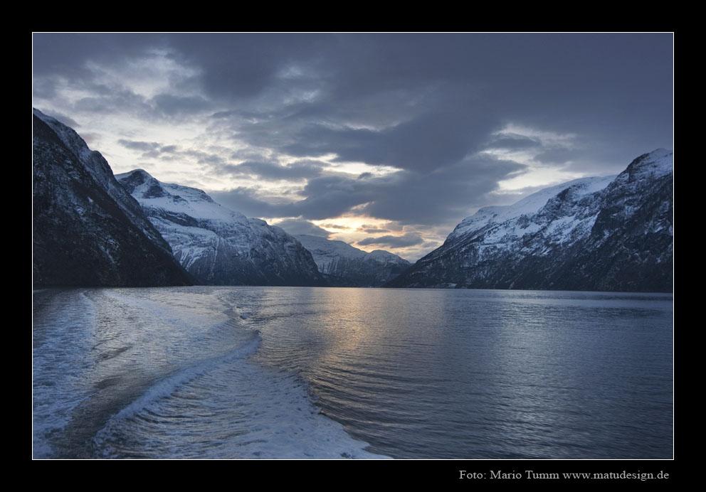 Winterlandschaft im Fjord