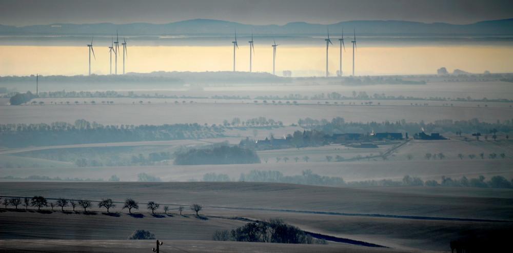 Winterlandschaft im Morgengrauen