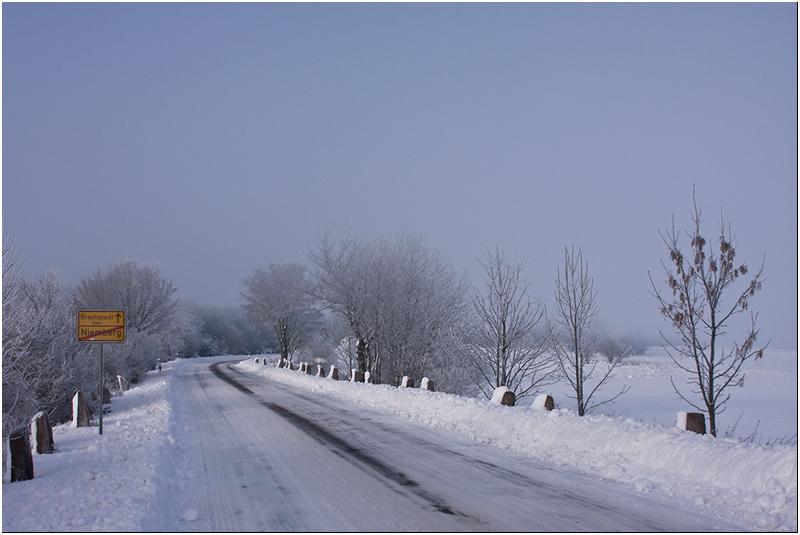 Winterlandschaft / Ortsausgang Niemberg I