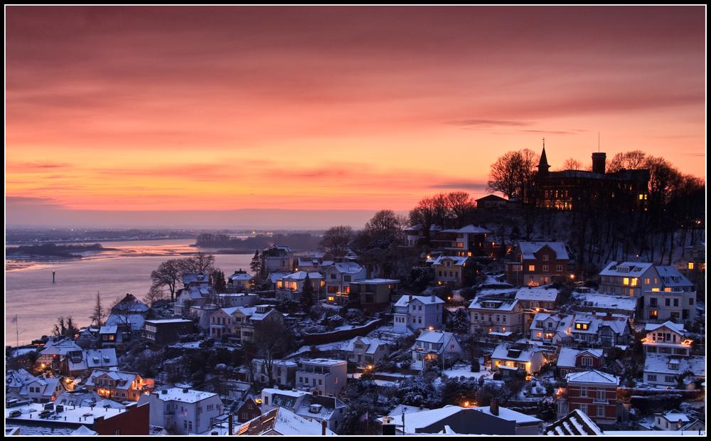 Winterlich verschneites Blankenese | Redone