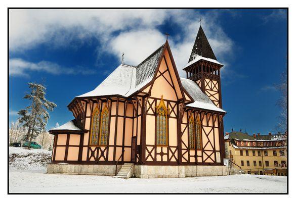 Winterliche Kirche