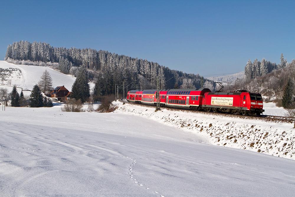 Winterliche Schwarzwaldbahn