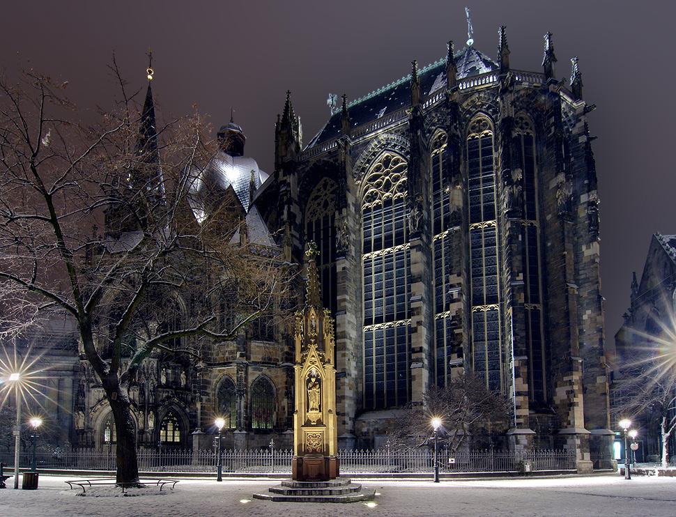 Winterlicher Kaiser-Dom zu Aachen