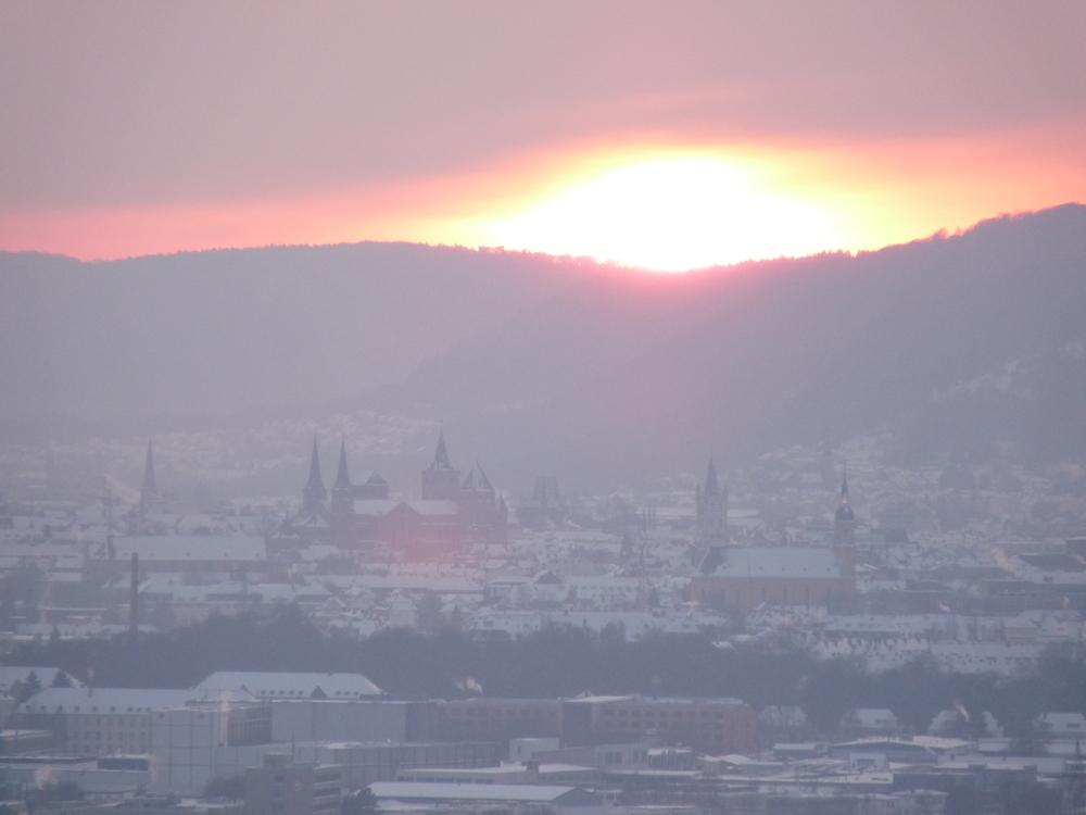 Winterlicher Sonnenuntergang über Trier