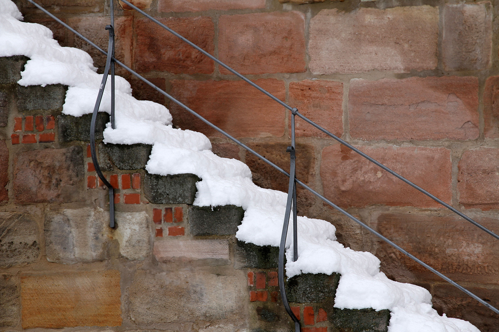 winterlicher Treppenbelag............