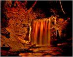 Winterlicher Wasserfall