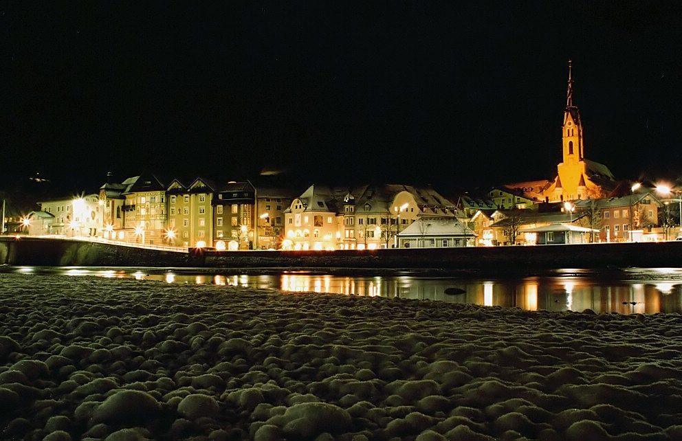 Winterliches Bad Tölz bei Nacht (1)