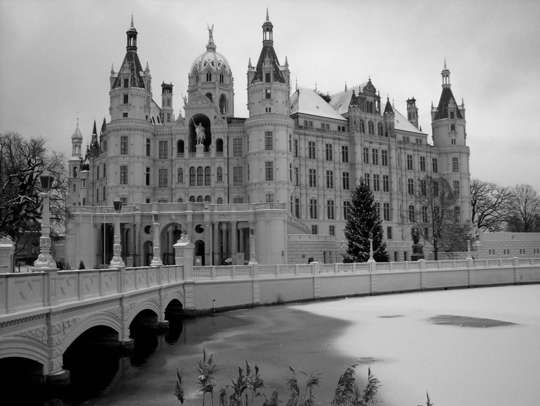 winterliches Schloss Schwerin