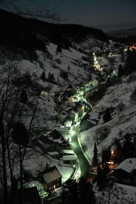 Winternacht im Tal