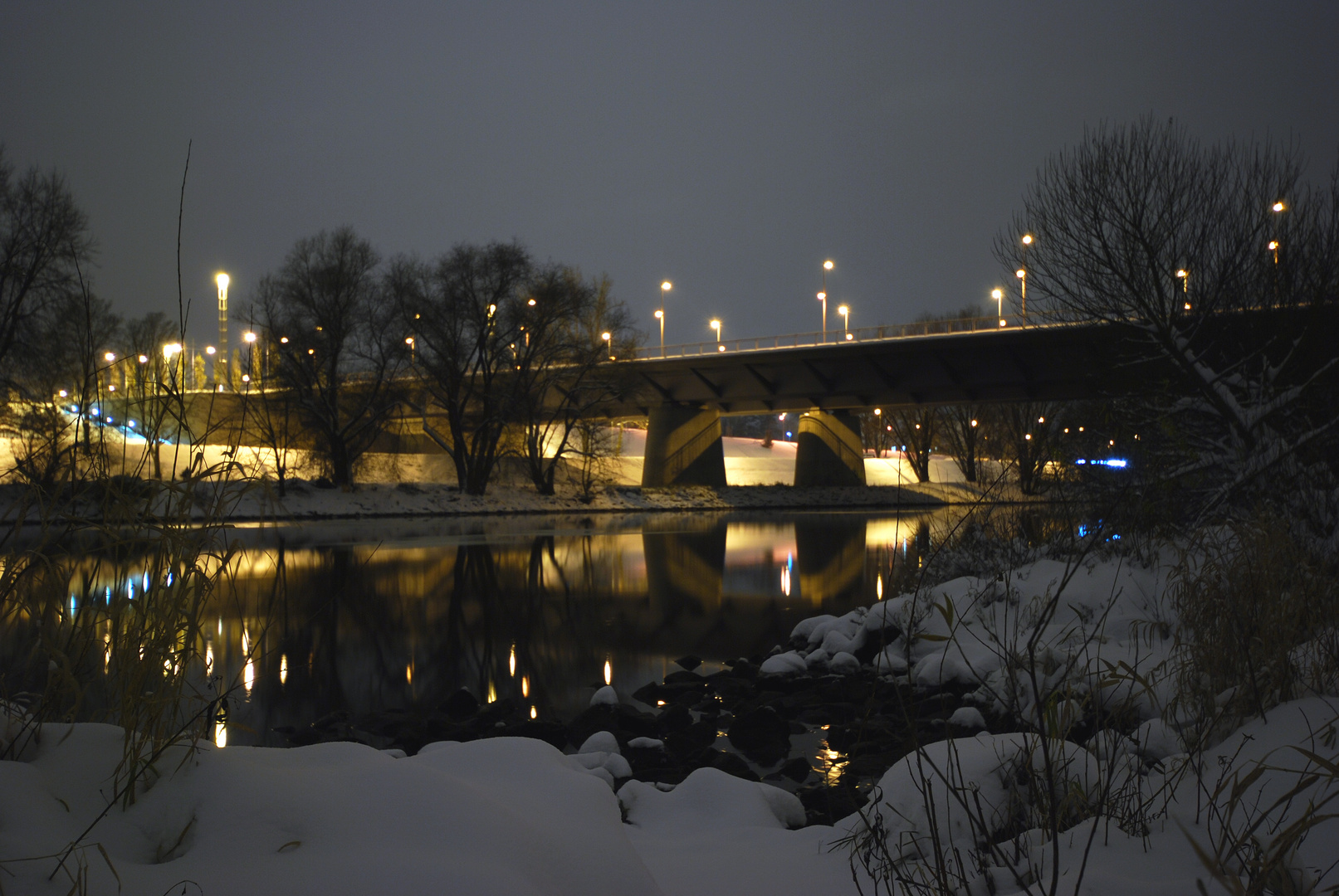 Winternacht Nibelungenbrücke