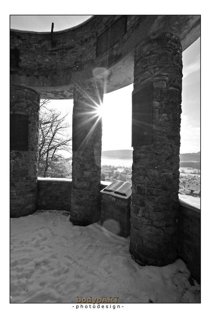 Wintersonne am Ehrenmal