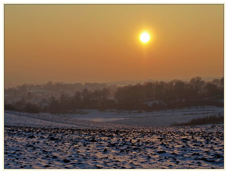 Wintersonntag kurz vor Sonnenuntergang