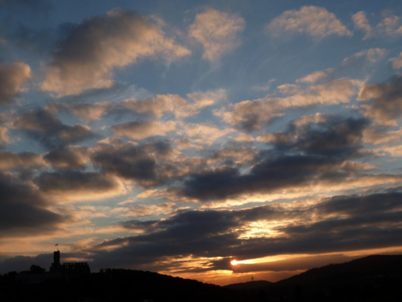 wir bleiben wach bis die Wolken wieder lila sind ...