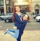Wir liegen lachend in den Trümmern & fühlen uns frei ♥