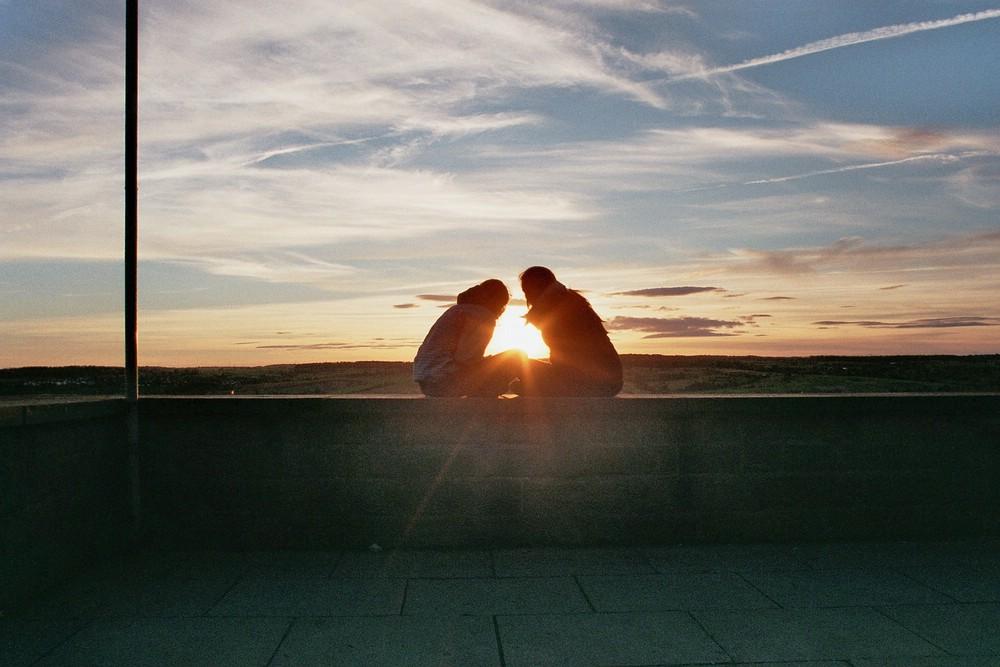 wir und der Sonnenuntergang