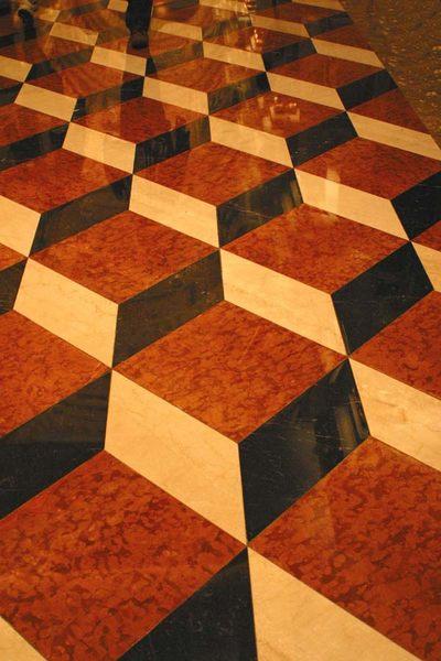 Wirklich eine glatte Oberfläche ? Venetian Las Vegas / Fußboden vor der Lobby