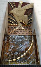 Wisdom - Art Déco Fries über dem Eingang vom Rockefeller Plaza