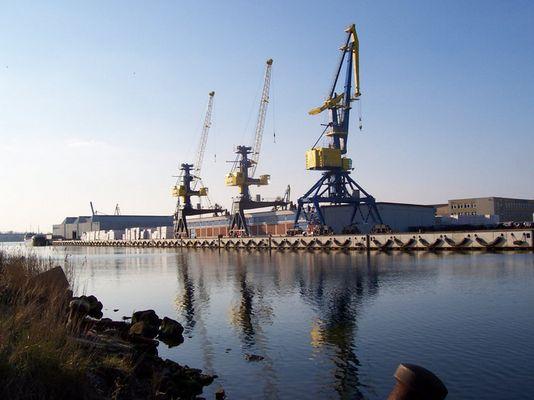 Wismar-Hafen-Kräne