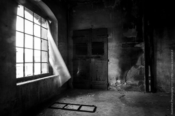 Wispering window
