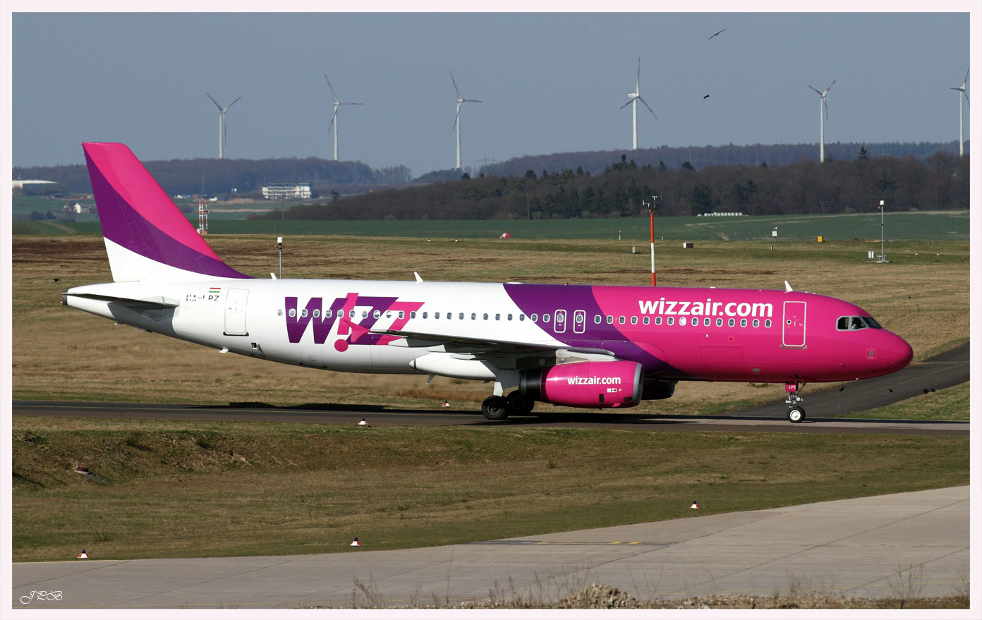 Wizz Air Hungary Airbus A320-200