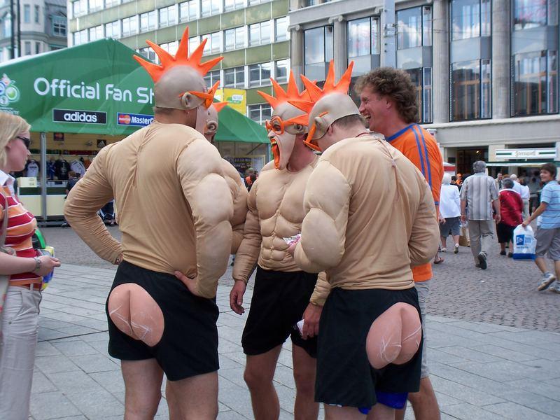 WM 2006 in Leipzig kein Kunstwerk, aber vielleicht was zum Lachen