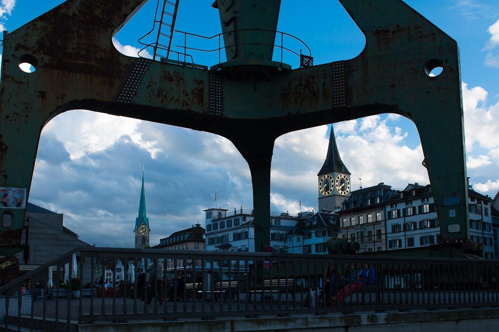 Wo-19/14: Da steht es nun das Objekt der Kontroverse von Zürich - der Hafenkran