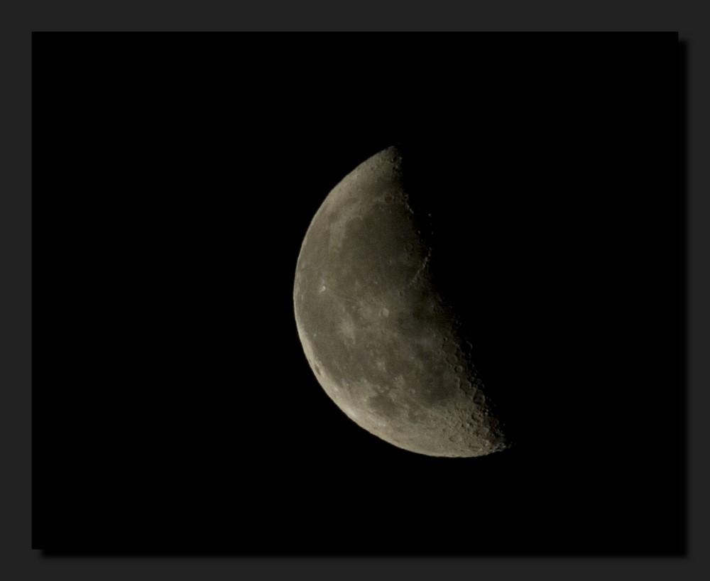 Wo bitte ist der Mann im Mond