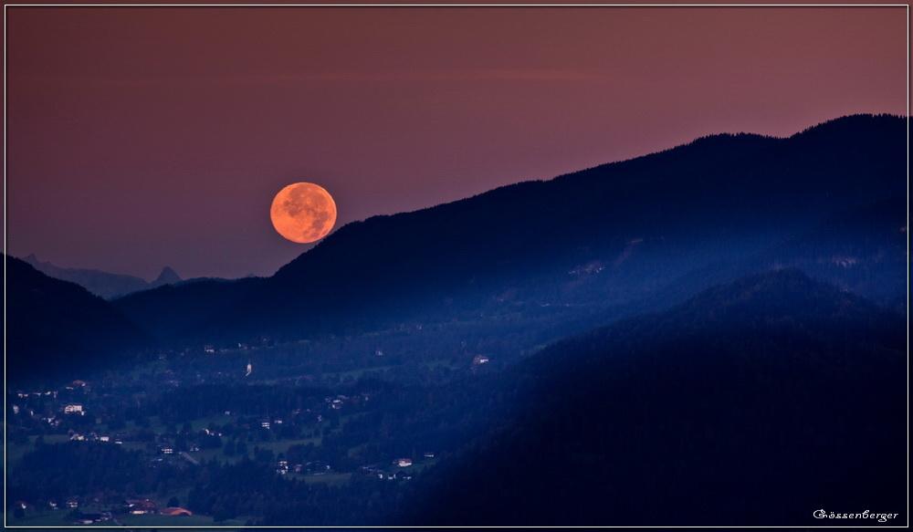 Wo der Mond die Berge berührt...