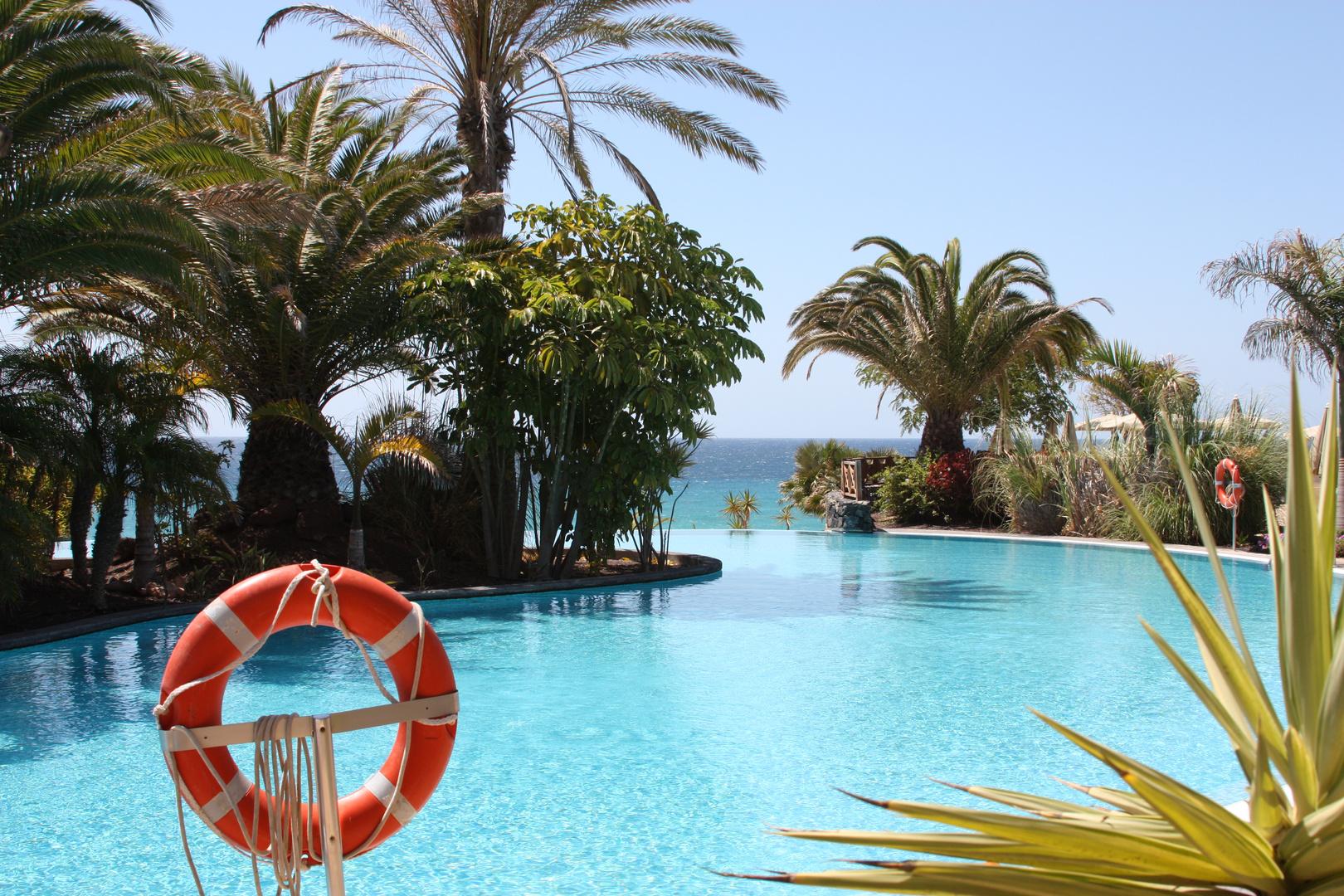 Wo Pool und Meer sich küssen:-)