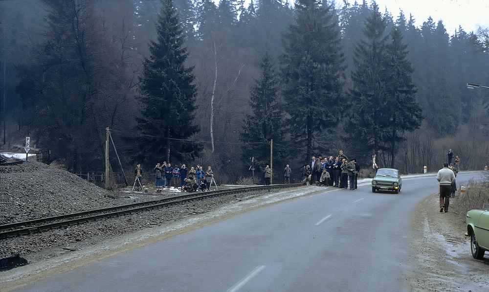 http://img.fotocommunity.com/wo-und-worauf-wartet-die-meute-am-6-februar-1982-01394f10-95a8-4676-9877-489bb26e4f26.jpg?width=1000