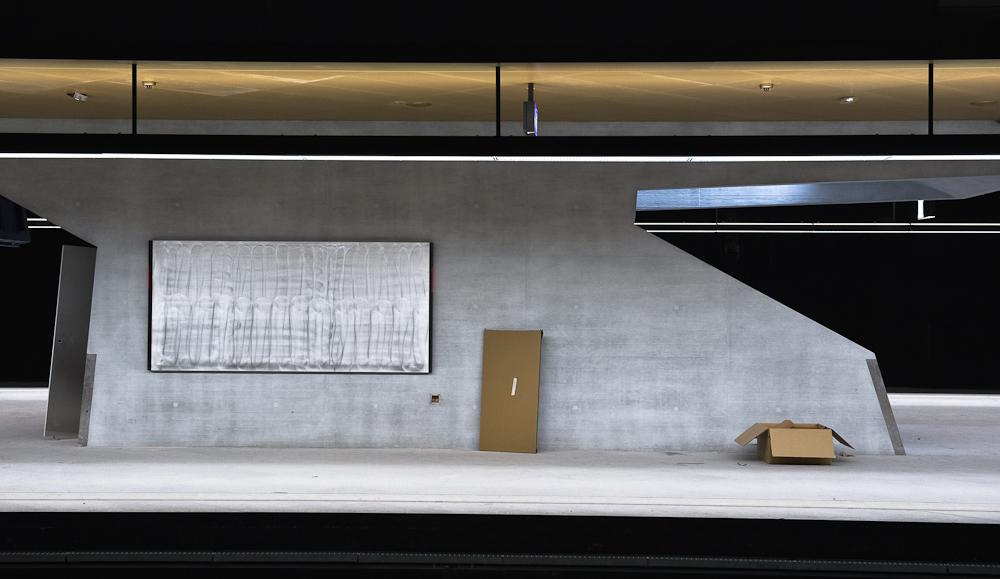 Woche 50: Noch ist alles grau und braun hier im Bahnhof Zürich Löwenstrasse