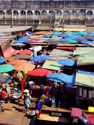 """""""Wochenmarkt"""" in Thailand"""