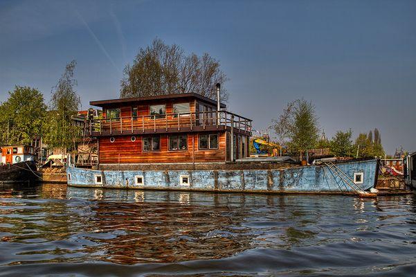 Wohnboot in Amsterdam