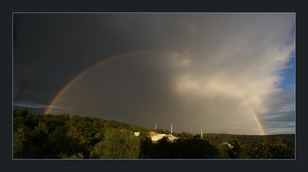 wohnen, arbeiten, beten unterm Regenbogen