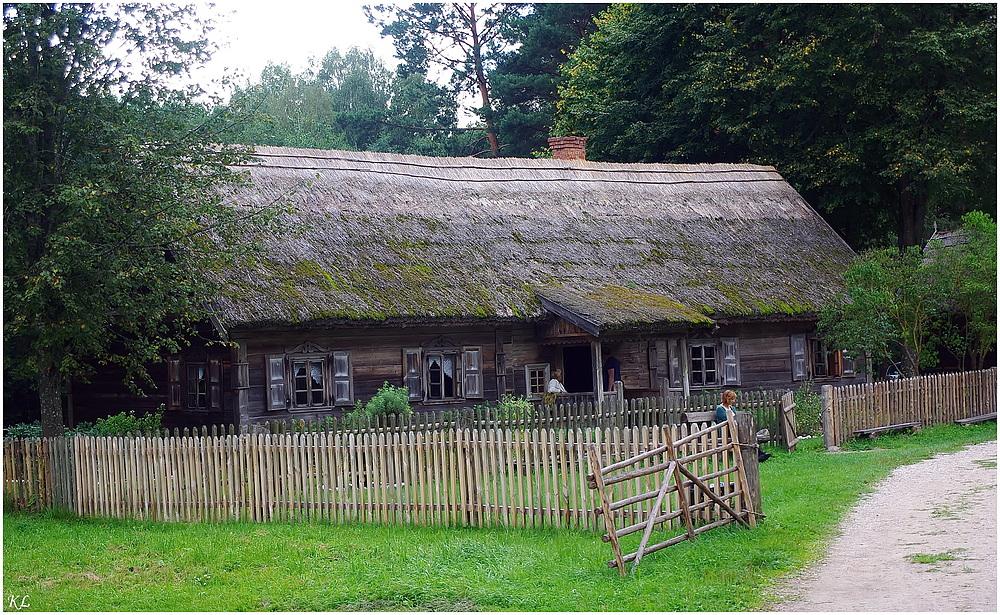 Wohngebäude im Freilichtmuseum Litauen.