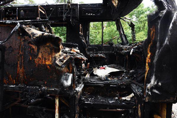 Wohnmobil nach Brand Bild 1