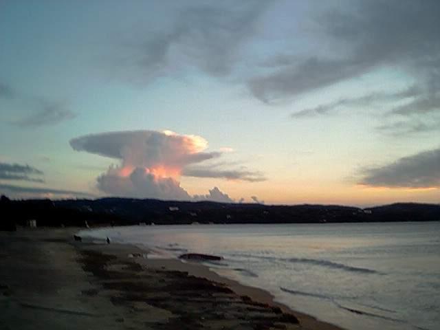 Wolke kurz nach Sonnenaufgang(keinAtompilz)